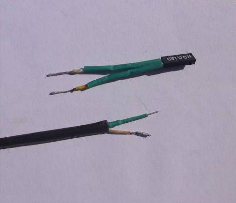 провода вставленные в термоусадочную трубку