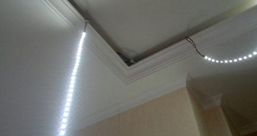 Крепеж светодиодной ленты на потолок