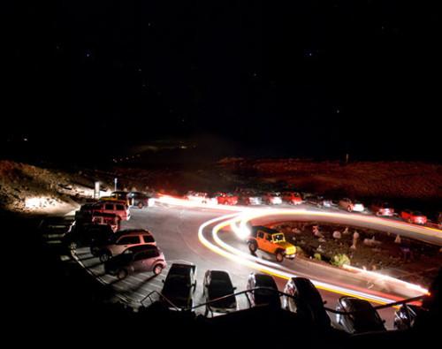 Автомобиль с установленными светодиодами в габаритах